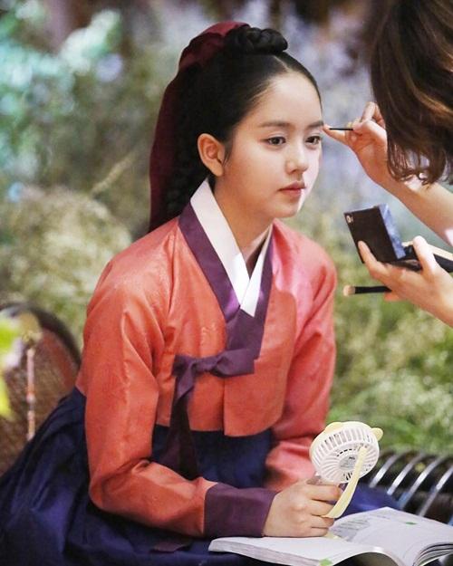 sao-han-20-7-park-shin-hye-gui-xe-do-an-cho-krystal-hyo-min-dang-dep-my-mieu-7