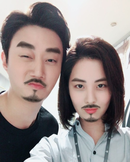 sao-han-23-7-suzy-mac-ao-2-day-goi-cam-jennie-khoe-vai-tran-non-na-7