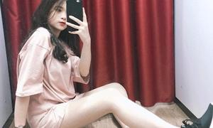 Linh Ka mê tít lối chọn áo trông như... không mặc quần