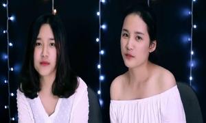Cặp chị em sinh đôi hát cover 'Có em chờ' đáng yêu nhất hệ mặt trời