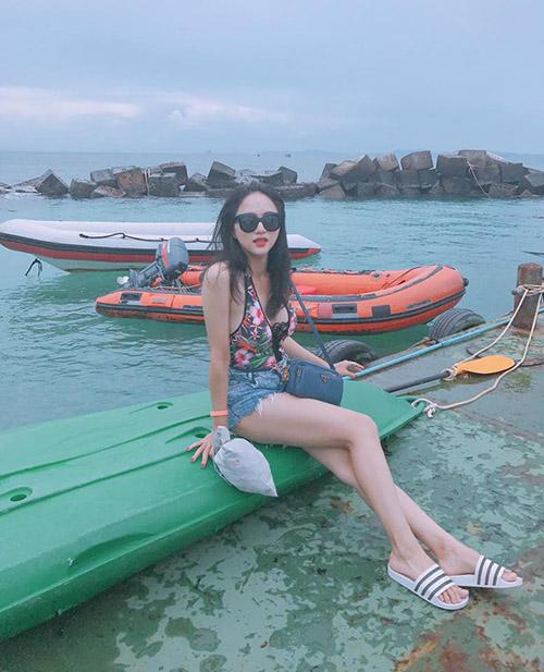 huong-giang-idol-tung-anh-do-tam-sexy-sau-2-thang-tuyet-giao-voi-facebook-7