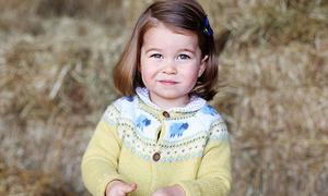 Hiệu ứng công chúa - hoàng tử nhí nước Anh: Mặc cái nào cái đó bán hết sạch