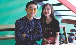 Hoài Lâm dẫn bạn gái hot girl đi cổ vũ Đàm Vĩnh Hưng