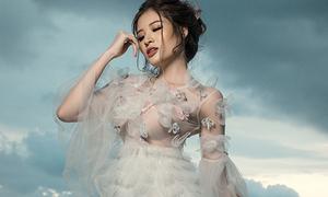 Gặp sự cố thời tiết, HH Phan Hoàng Thu bất ngờ có ảnh 'ảo diệu'