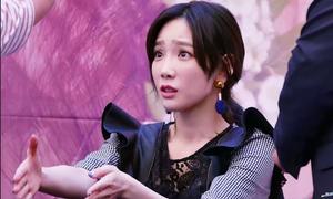 Phản ứng hài hước của idol Hàn khi bị fan từ chối đụng chạm