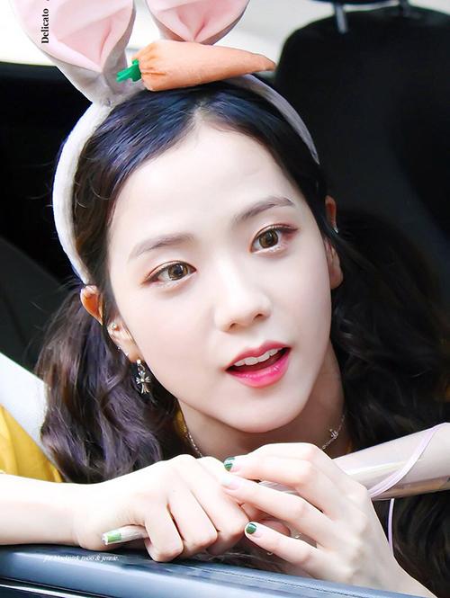 3-chieu-trang-diem-cua-idol-han-giup-da-trong-trang-sang-hon-1