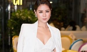 'Kiều nữ làng hài' Nam Thư quyến rũ đi chấm thi nhan sắc