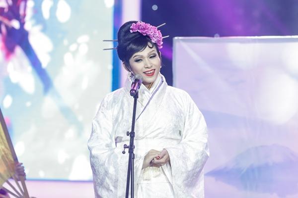 jun-pham-len-ngoi-quan-quan-guong-mat-than-quen-nho-nhai-hoai-linh-3
