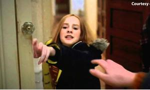 Sự thật sau cảnh quay qua gương 'không tưởng' của phim 'Contact'