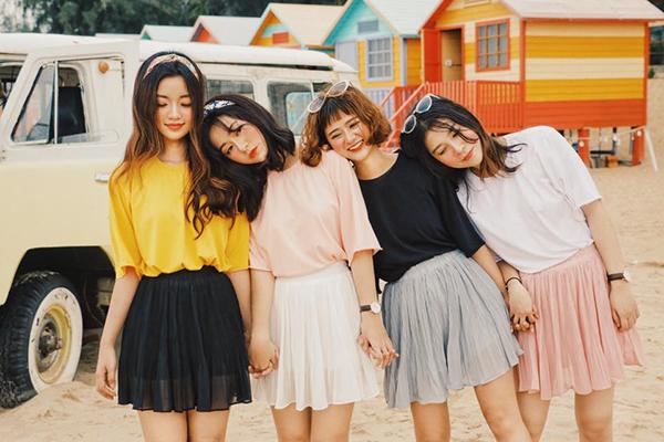 mac-dong-phuc-nhu-girlgroup-la-mot-moi-khi-chup-anh-co-hoi-co-phuong-2