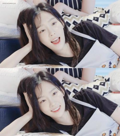 tae-yeon-yoon-ah-khoe-nhan-sac-khong-doi-trong-suot-10-nam-4