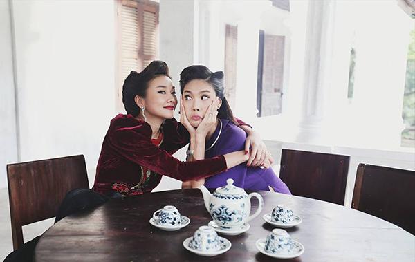 sao-viet-10-8-ngoc-trinh-photoshop-nuoc-mat-ngo-thanh-van-cat-phang-toc-dai-4