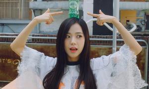 2 visual Kpop bị lật tẩy thói quen hài khó đỡ