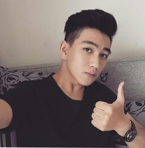 nhung-chang-trai-bong-noi-tieng-nho-khoanh-khac-anh-xuat-than-5