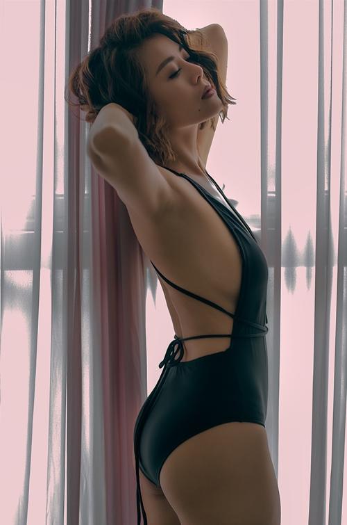 nam-thu-sexy-chet-nguoi-voi-bikini