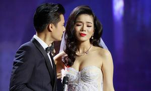 Lệ Quyên hóa cô dâu thẹn thùng bên Quang Dũng