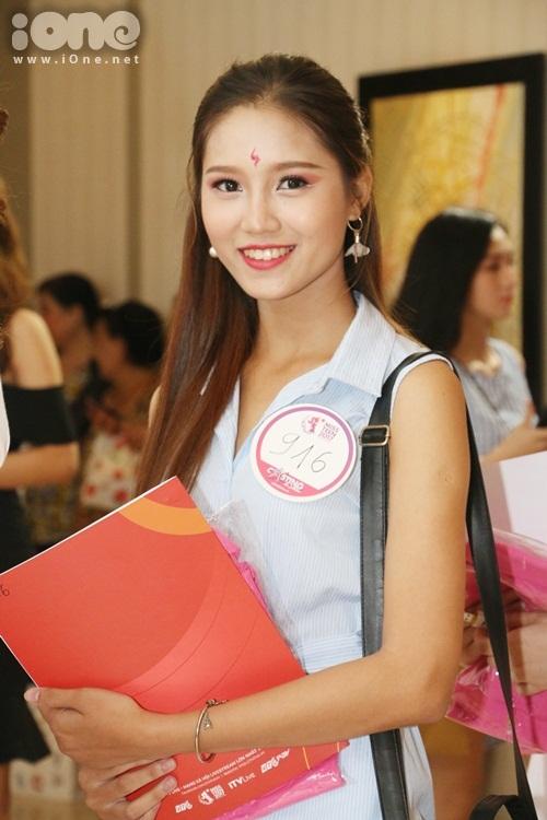 thi-sinh-miss-teen-2017-mien-nam-dua-nhau-khoe-sac-voc-kho-long-roi-mat-9