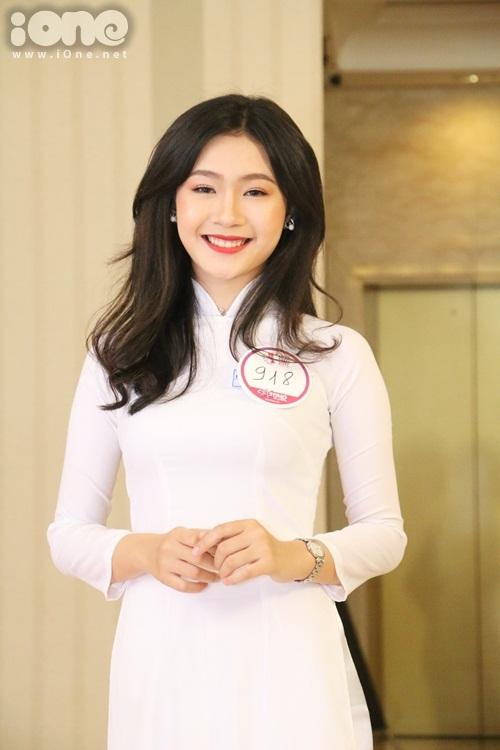 thi-sinh-miss-teen-2017-mien-nam-dua-nhau-khoe-sac-voc-kho-long-roi-mat-5