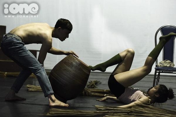 nu-sinh-truong-mua-luyen-tap-nhu-xiec-8