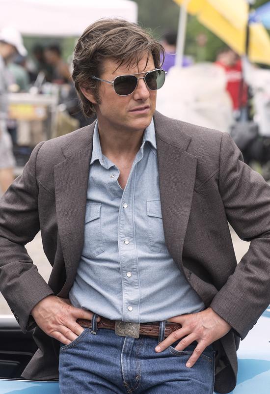 Tom Cruise trong tạo hình thập niên 80.