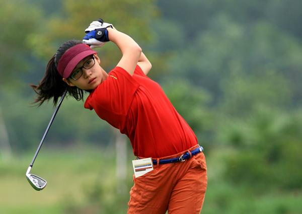 golf-thu-14-tuoi-chan-dai-mat-xinh-tre-nhat-doan-viet-nam-tai-sea-games-29
