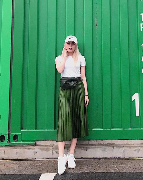 dan-hot-girl-viet-chung-minh-tui-deo-bung-la-mon-do-chat-nhat-2017-3