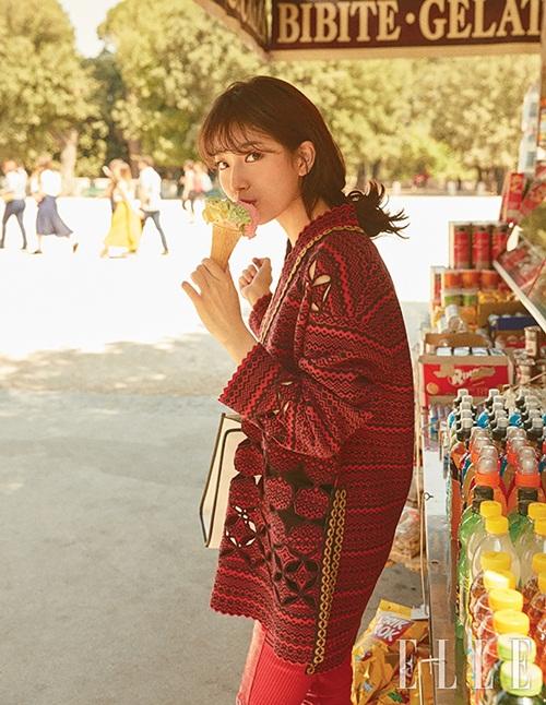 sao-han-17-8-suzy-khoe-nhan-sac-nu-than-hyun-ah-doi-style-thuc-nu