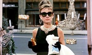 'Khoảnh khắc thời trang' trứ danh của Audrey Hepburn trên màn ảnh