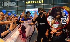 Fan nữ mừng phát khóc khi được pose ảnh với Siwon tại sân bay Đà Nẵng