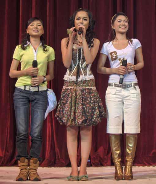 thoi-trang-cua-8x-9x-nam-2000-qua-3-girlgroup-dinh-dam-nhat-mot-thoi-5