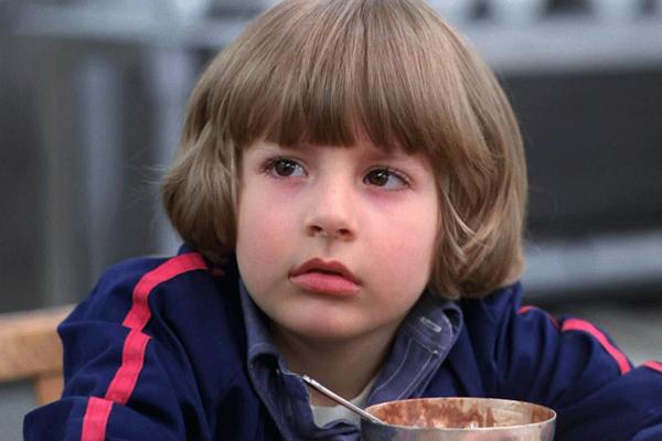 Cậu nhoc Danny Lloyd trong The Shining đến tận năm 16 tuổi mới nhận ra mình đóng bộ phim nổi tiếng này.