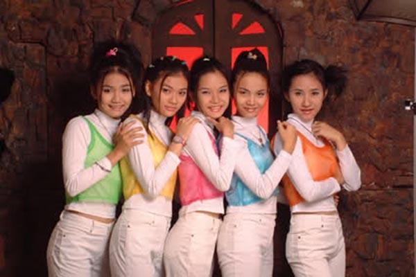 thoi-trang-cua-8x-9x-nam-2000-qua-3-girlgroup-dinh-dam-nhat-mot-thoi-7