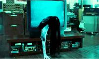 7-phim-kinh-di-hollywood-co-phien-ban-chau-a-dang-so-hon-gap-nhieu-lan-9
