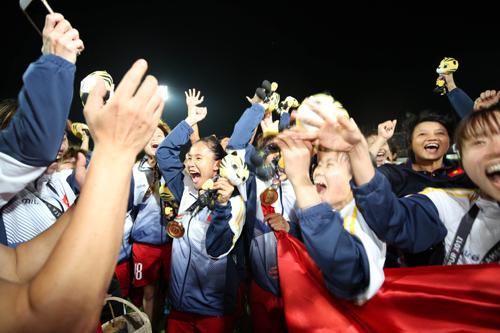 tuyen-nu-viet-nam-nhan-hon-4-ty-tien-thuong-cho-hc-vang-sea-games-2
