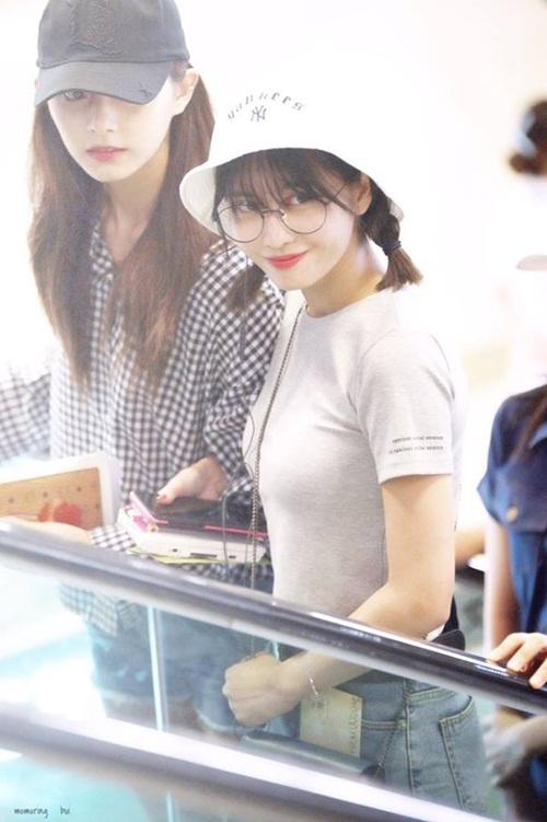 3-girl-group-dinh-dam-nhat-kpop-khoe-style-ca-tinh-o-san-bay-6