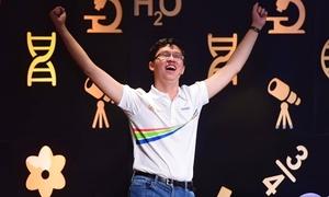 Quán quân Olympia 2017 Nhật Minh: 'Sẽ khao mọi người bữa cháo bột thật to'