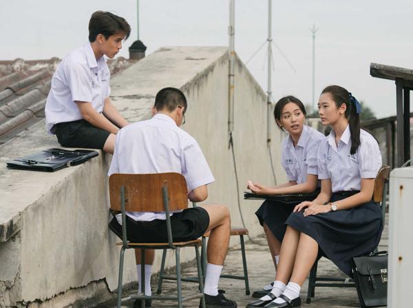 phim-thai-ve-cac-thien-tai-gian-lan-thi-cu-gay-bao-tu-a-sang-au-2