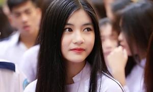 Nữ sinh Sài Gòn diện áo dài khiến hội đầu đinh ngẩn ngơ