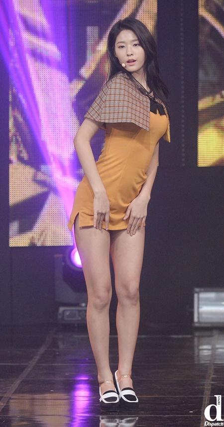 nhung-chiec-vay-khong-the-ngan-hon-cua-idol-nu-kpop-7
