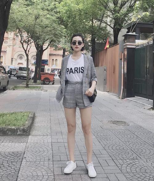 street-style-long-lanh-cua-sao-viet-trong-nhung-ngay-nghi-le-7