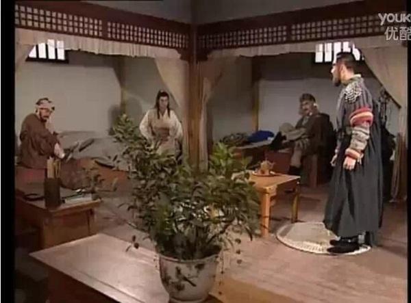 phuc-trang-ngheo-nan-kho-tin-cua-phim-tvb