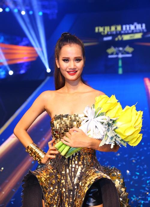 huong-ly-gia-nhap-hoi-quan-quan-next-top-thi-hoa-hau-hoan-vu-2017-4