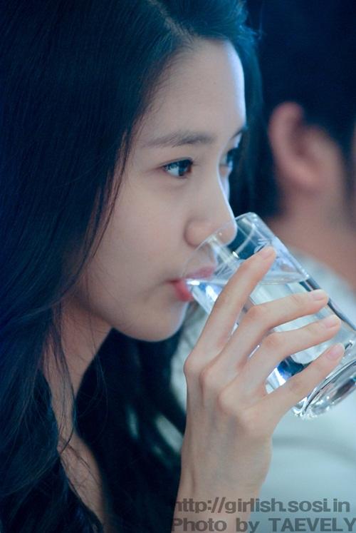 netizen-khen-toi-tap-hinh-anh-yoon-ah-make-up-sieu-mong-khi-debut-1