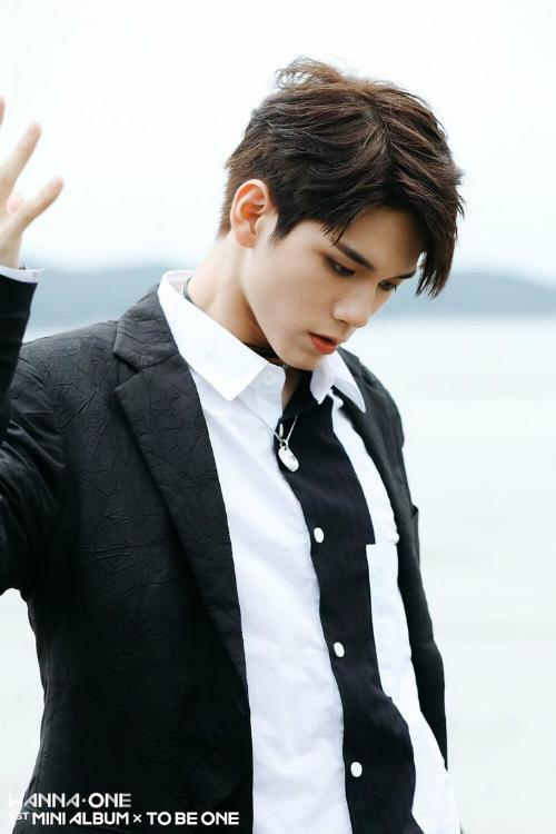10-idol-nam-co-visual-than-thanh-khong-ai-co-the-phu-nhan-7