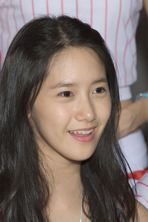 netizen-khen-toi-tap-hinh-anh-yoon-ah-make-up-sieu-mong-khi-debut