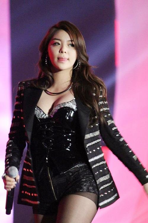 9-idol-nu-co-than-hinh-day-dan-tro-thanh-doi-tuong-tan-cong-cua-netizen-han