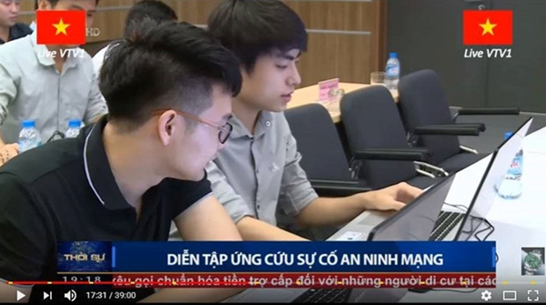 4-trai-dep-khoa-facebook-quyet-khong-chia-se-thong-tin-sau-buc-anh-gay-bao-mxh-2