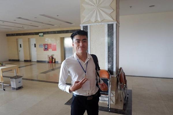 4-trai-dep-khoa-facebook-quyet-khong-chia-se-thong-tin-sau-buc-anh-gay-bao-mxh-3