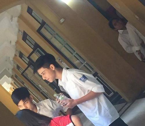 4-trai-dep-khoa-facebook-quyet-khong-chia-se-thong-tin-sau-buc-anh-gay-bao-mxh-1