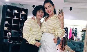 Chi Pu khoe mẹ xì tin chuyên gia 'mặc chung đồ' với con gái